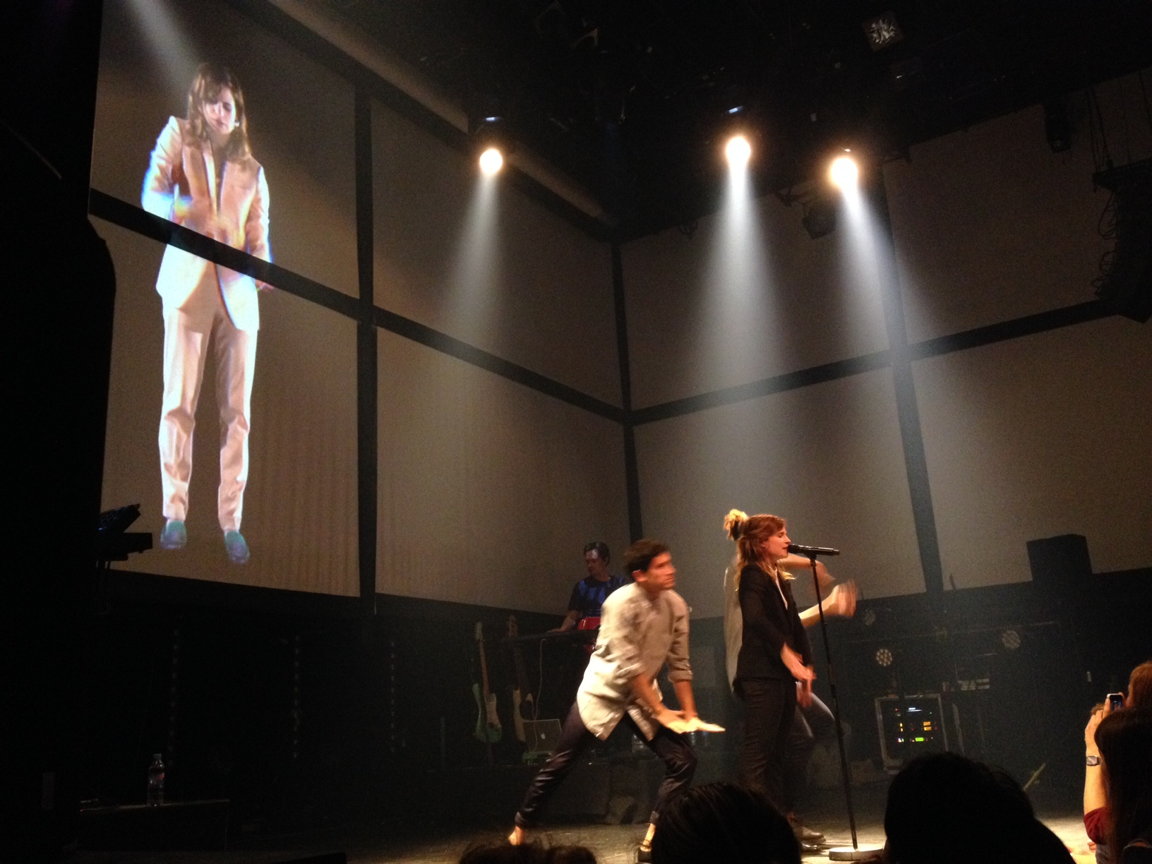 CHRISTINE & THE QUEENS - Queen of Pop. - Page 6 Christine-and-the-queens3